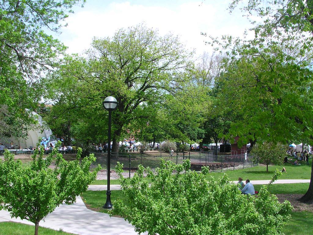 Vu de corbeil essonnes archives du blog des parcs o for Espace vert essonne